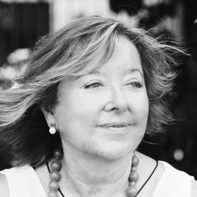 Ángela Jordana fundadora y formadora en la escuela de competencias para la vida y la salud formada en salutogénesis